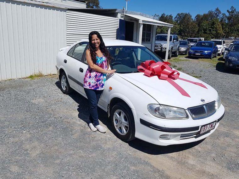 2002 Nissan Pulsar White