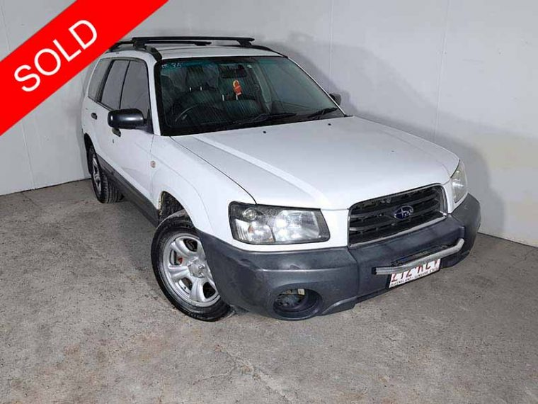 2004 Subaru Forester White
