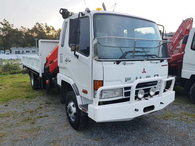2007 Mitsubishi FK600 Crane Truck Manual White